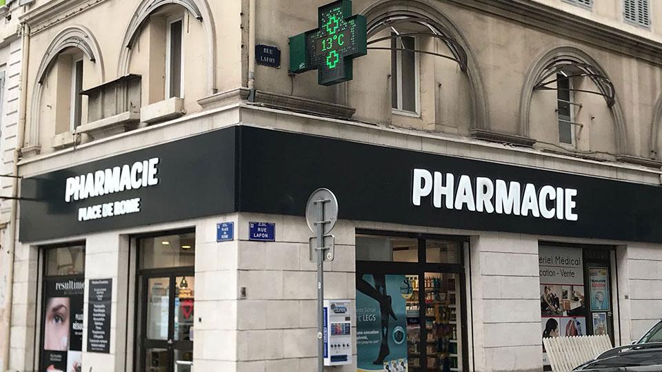 Enseigne lumineuse pour la Pharmacie place de ROME à Marseille